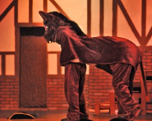 A horse walks into a bar - Harry Oliver's Desert Rat Scrapbook