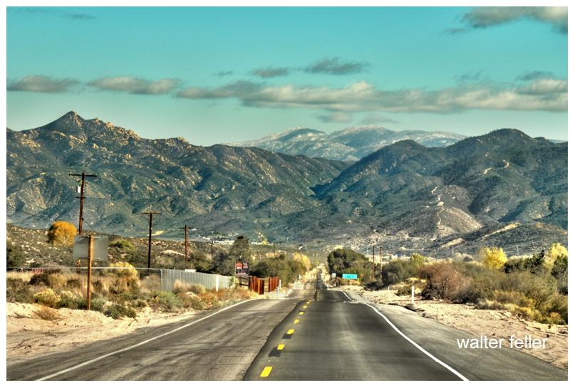 Highway 138 as it enter Horsethief Canyon